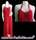 แฟชั่นชุดราตรี ชุดราตรี ชุดราตรียาว สีแดง สวยสด แต่งไข่มุกเม็ดใหญ่ และโลหะประดับเพชรช่วงคอ ดีไซน์คลาสสิคมากๆ ค่ะ