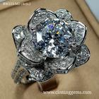 แหวนเพชร 4 กะรัต เกรด7A คัดพิเศษเพชรเจียระไน100เหลี่ยม ดีไซน์ดอกไม้หรูหรา อลังการ ฝีมือปราณีต ตัวเรือนเงินแท้ 92.5% ชุบทองคำขาว