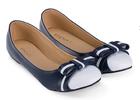 [พร้อมส่ง] รองเท้าแฟลช สีน้ำเงินเข้ม แต่งโบว์คาดสีขาว