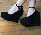 (ขายแล้วค่ะ) รองเท้าส้นสูงสีดำ size 39