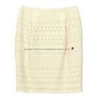 กระโปรงทรงสอบ Twin Pleated Skirt ผ้าลูกไม้คอตต้อนสีครีม ด้านหน้ากระโปรงจับจีบทวิช ดีไซน์เรียบหรู