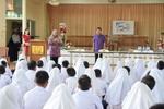 เทศบาลเมืองลัดหลวง เดินหน้ากองถุงพลาสติกเปรอะ                                           สู่โรงเรียนในเขตพื้นที่ จับมือ(โรงเรียนสันติดรุณ)เป็นโรงเรียนนำร่อง