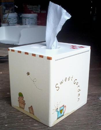 *061 กล่องทิชชูตั้งโต๊ะ