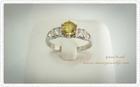 SR0004 แหวนเงินชุบทองคำขาวประดับพลอยบุษราคัมแต่งเพชรCZ