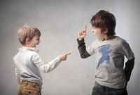 3 วิธีง่าย ๆ ทำให้ลูกเลิกทะเลาะกัน
