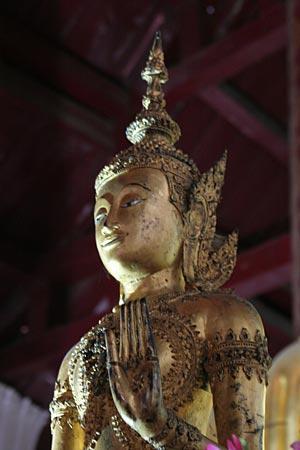 Wat Na Phra Men in Ayutthaya-3 (300X450)
