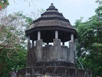 เที่ยวเมืองจันทบุรี,ค่ายเนินวงค์,เขาพลอยแหวน,บ่อน้ำศักดิ์สิทธิ์