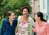 9 วิธีทำให้เป็นที่รักของเพื่อนร่วมงาน