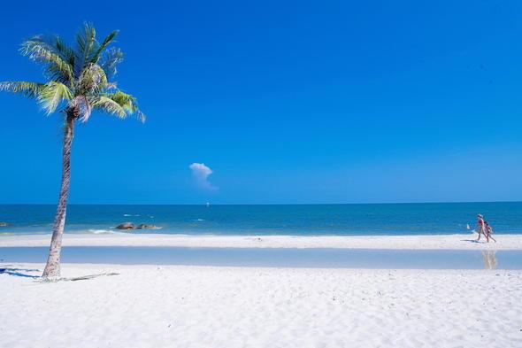 Hua Hin Beach-1 (900X600)