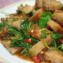NO. SF30 ผัดกะเพราหมูกรอบ (Stir fried spicy with crispy pork and Basil)