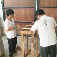 ขณะนี้ ศูนย์หนังสือไตรลักษณ์    ดำเนินการจัดส่ง ตู้พระไตรปิฎก แบบไม้สัก ทั้งหลัง  พร้อมประดับลวดลายทองงานบรรจงประณีต
