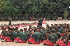 นักศึกษาวิชาทหารโรงเรียนภักดี เข้ารับการฝึก ประจำปี 2553 คลิก