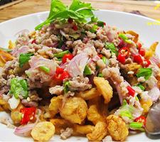 NO. SS41 ยำเห็ดทอดกรอบหมูสับ (Spicy salad with crispy mushroom and minced pork)