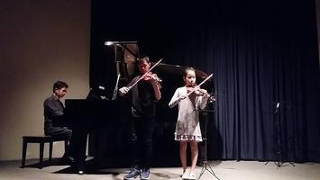 เชิญชมการแสดงไวโอลิน เปียโน ของนักเรียน ฟรี!