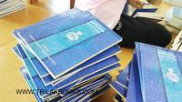 เตรียมจัดส่ง หนังสือ �นวโกวาท�    ราคามูลนิธิ มหามกุฏฯ 30 บาท    เตรียมจัดส่ง ขึ้นบริษัทขนส่ง ทั่วประเทศ