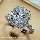 แหวนเพชร Octagon shape ขนาด 1.5 กะรัต ตัวเรือนดีไซน์ สวยหรูทันสมัย ตัวเรือนเงินแท้ 92.5% ชุบทองคำขาว