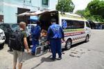 กู้ชีพเทศบาลเมืองลัดหลวงตรวจสอบผู้ป่วยภายในเขต
