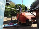 ลงพื้นที่ใช้รถน้ำส่งน้ำเพื่อแก้ไขภัยแล้ง วัดบ้านหัวโท