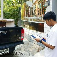 ศูนย์จัดส่ง ตู้ และหนังสือพระไตรปิฎก ในราคามูลนิธิ    เตรียมจัดส่ง หนังสือพระไตรปิฎก 45 เล่มไทย และ   ตู้พระไตรปิฎกไม้สัก ประดับจั่วลายดอกไม้   พร้อมทำป้ายปิดหน้าตู้ ผู้ถวายหนังสือและตู้พระไตรปิฎก   ไปยังที่หมาย เรียบร้อยแล้ว ครับ