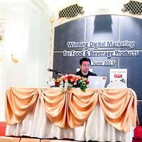 คุณบวร เป็นงาน Speaker ในงาน Thaifex 2017
