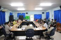 ประชุมกำนันผู้ใหญ่บ้าน ผู้นำชุมชน เพื่อปรึกษาหารือเรื่องการแก้ปัญหาไป่าและหมอกควัน
