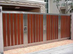 ประตูสแตนเลส+ไม้แดง