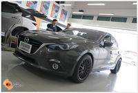 Mazda3 ต้องการเสียงที่ดีขึ้นกว่าระบบเครื่องเสียงเดิมแบบง่ายๆ เลยจัดกันไปกับชุดอัพเกรดระบบ Hi-power