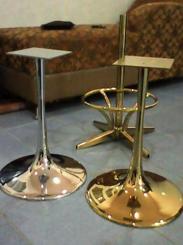 เก้าอี้ขาเชมเปญทองและเงิน