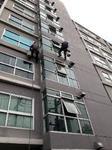 บริการเช็ดกระจกโรยตัวจากที่สูงๆ โทรศัพท์ 02-9074471-3