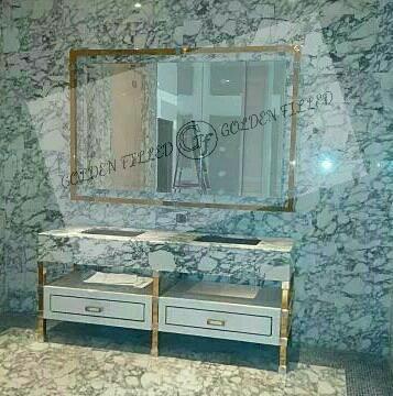 ชุดโต๊ะและกรอบกระจกทอง คอนโด