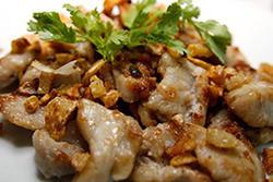 NO. DF09.1 หมูทอดกระเทียม (Pork with Garlic)