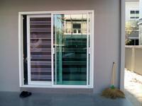 เหล็กดัดประตูบานเลื่อนสลับ ชุดครอบในพร้อมมุ้ง