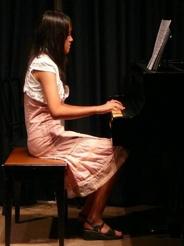 เดี่ยวเปียโน