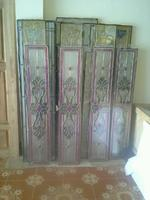 การเลือกประตูไม้สัก และแบบกระจกสเตนกลาส,กระจกนิรภัย