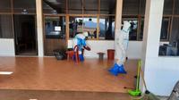 ลงพื้นที่ทำความสะอาดพ่นยาฆ่าเชื้อ ณ ศูนย์กักกัน Local quarantine ณ สถานปฏิบัติธรรม วัดสัมมานะ