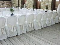 รีวิว ผ้าคลุมโต๊ะและเก้าอี้ผูกโบว์สีขาวสำหรับงานจัดเลี้ยงเชิงสัมมนา
