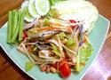 NO. SS16 ส้มตำปูม้า (Papaya salad with blue crab)