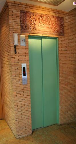 งานประตูลิฟต์แบบพ่นสี