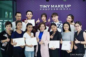 จัดอบรม Workshop Professional Trainers ให้กับ COTY TRAVEL RETAIL (ฺBURBERRY)