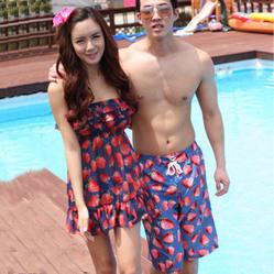 ชุดว่ายน้ำคู่รัก
