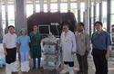 อัศจรรย์ หมอคนไปช่วยหมอสัตว์ เพื่อผ่าตัดนิ่วในช้าง