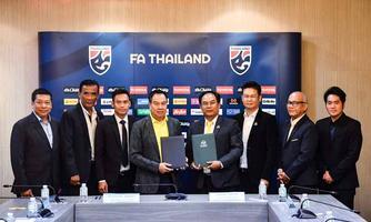 บริษัท พีอีเอ เอ็นคอมฯ ร่วมลงนาม MOU กับสมาคมกีฬาฟุตบอลแห่งประเทศไทยฯ เพื่อศึกษาและส่งเสริมด้านการประหยัดพลังงานภายในสนมฟุตบอล