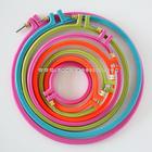 สะดึงพลาสติกสีเข้ม รูปวงกลม ของ SKC คละสี