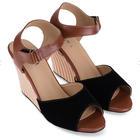 [พร้อมส่ง] รองเท้าส้นเตารีด สูง 3 นิ้ว มีสายรัดข้อเท้า สีดำ
