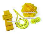 เซ็ทเครื่องประดับ สีเหลือง ประกอบด้วย เข็มขัดผ้า สร้อยคอ ข้อมือ ต่างหู และดอกไม้ติดผม